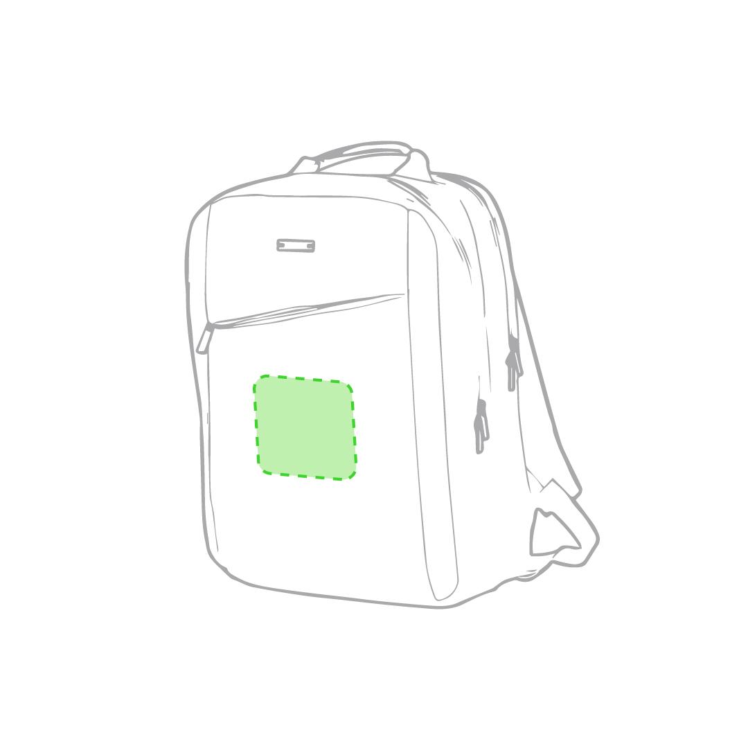 En el frontal de la mochila